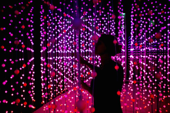 Submergence_eine Lichtkunst-Installation von Squidsoup_www.squidsoup.org_vertreten durch Balestra Berlin www.balestraberlin.com © Photo Paul Blakemore, 2013